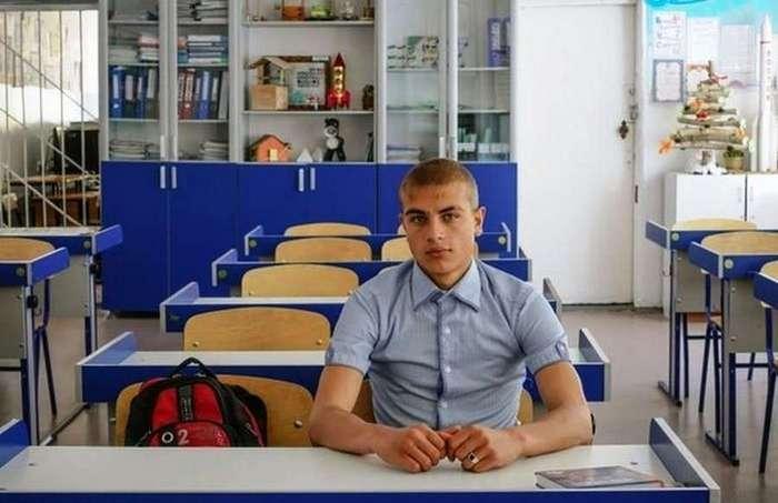 Единственный выпускник своей школы (5 фото)