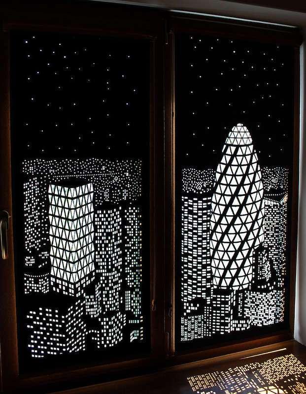 Эти уникальные шторы позволяют наслаждаться видом ночного города даже днём