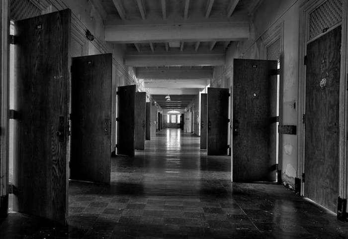 Эксперимент Розенхана: Исследование, которое потрясло мир психиатрии