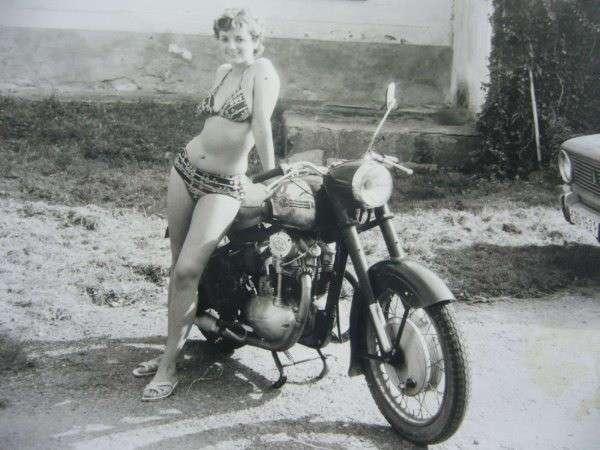 Мотоциклы в деревне