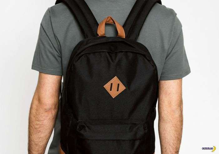 Зачем этот ромбик на рюкзаке?