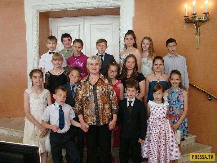 Семья Сорокиных - 76 приемных детей (6 фото)