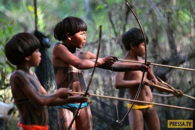 Амазонское племя в котором осталось не более 200 человек (15 фото)