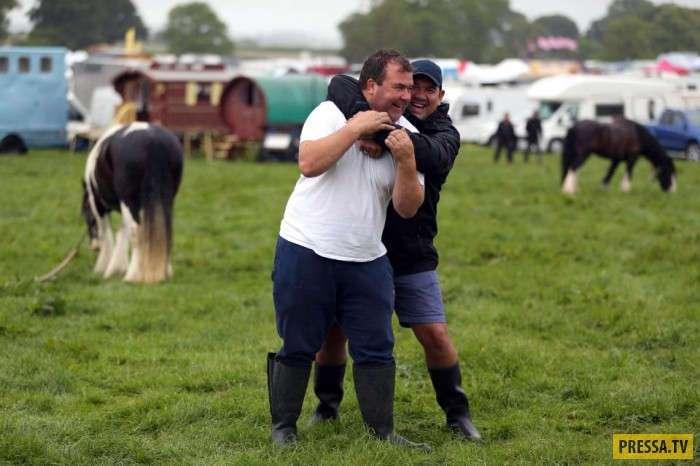 Цыганская ярмарка в Англии (22 фото)