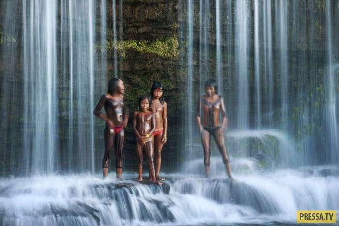 Счастливое и не очень детство в разных странах (26 фото)