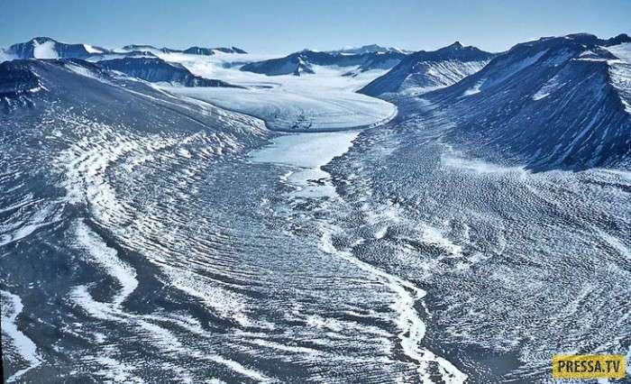 Вот уже миллионы лет там нет ни снега, ни дождя (14 фото)
