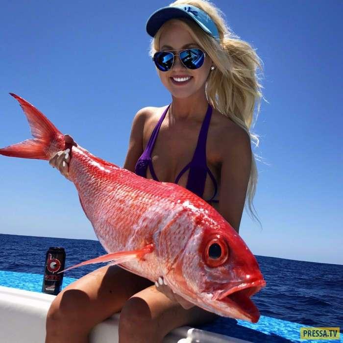 Сногсшибательные рыбачки в бикини (33 фото)