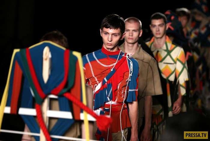 Удивительные творения модельеров на Неделе Мужской моды в Лондоне (18 фото)