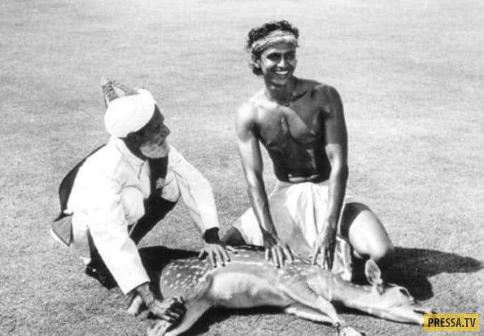 """Как сложилась жизнь индийского актера Митхуна Чакраборти - """"танцора диско"""" (20 фото)"""