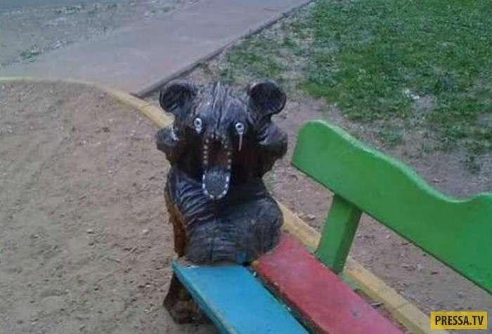 Очень странные скульптуры на детских площадках (19 фото)
