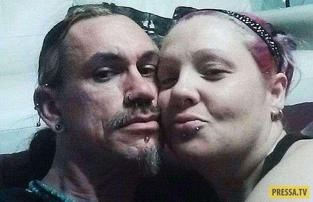 Вампирша из Австралии, 20 лет не видела солнце (7 фото)