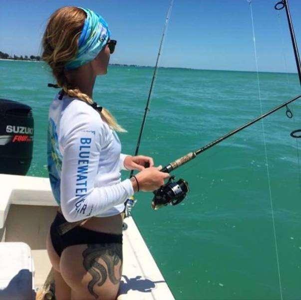 Жаркая рыбалка с горячими подругами