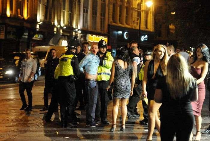 Ньюкасл отдыхает: как британцы отметили Банковские каникулы (19 фото)