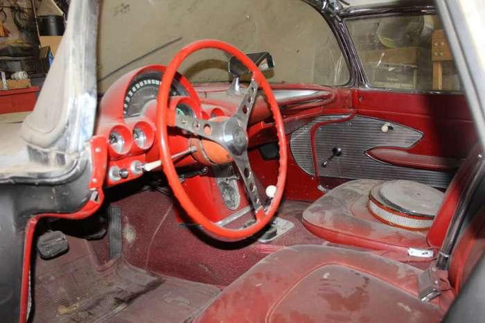 В штате Невада нашли Corvette, простоявший 44 года (22 фото)