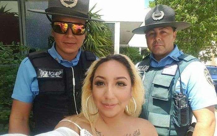 В США проститутке выплатят 1 млн долларов за связь с полицейскими (4 фото)