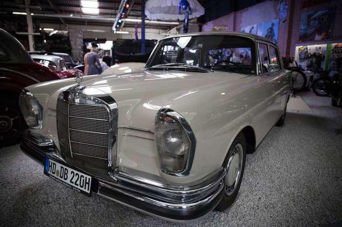 Автомобили музея Зинсхейм! (85 фото)