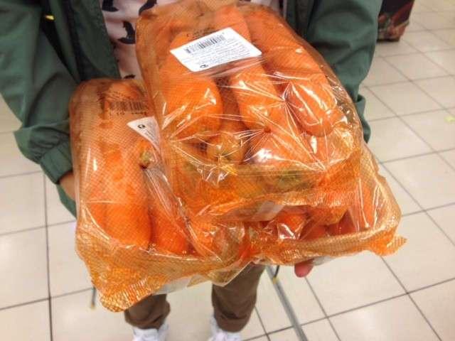 Как выглядят 1000 калорий: фоторепортаж из супермаркета (18 фото)