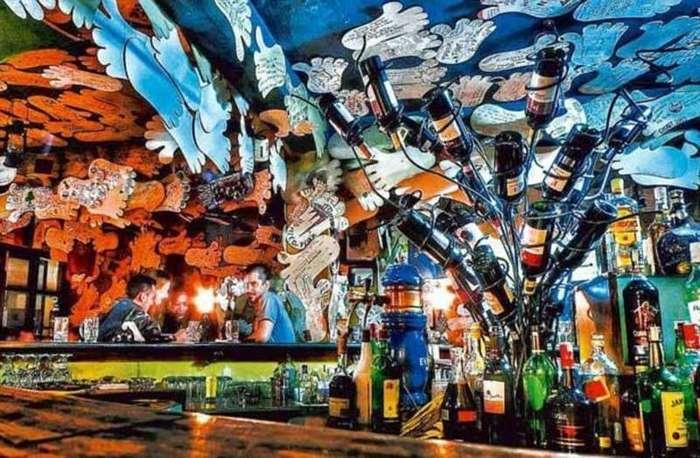 Самые безумные бары в мире (22 фото)
