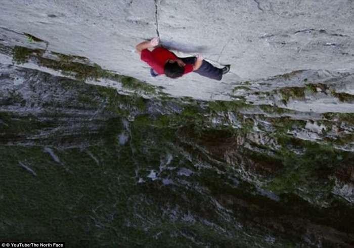 Первый человек, покоривший гору Эль-Капитан без страховки (7 фото)