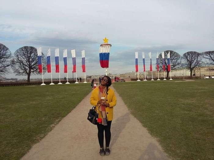 Что шокировало темнокожую британку в России (3 фото)