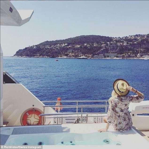 -Богатые детки- Швейцарии демонстрируют машины, яхты и частные самолеты (16 фото)