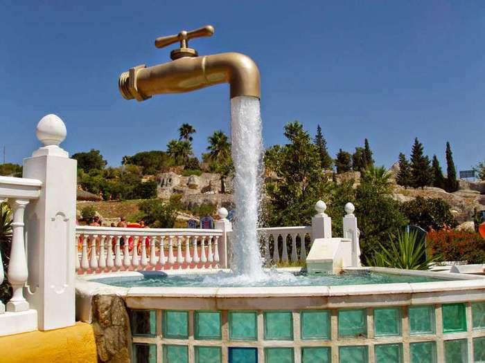 30 самых необычных и красивых фонтанов мира (29 фото + 1 гиф)