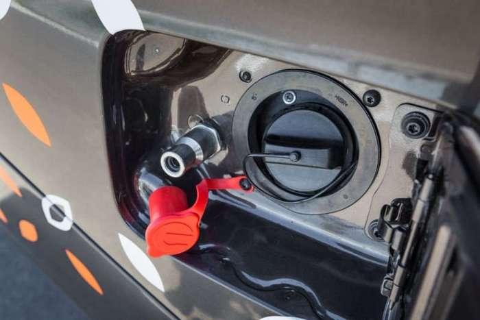 Началось производство биотопливной Lada Vesta CNG (4 фото)