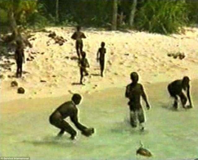 Малоизученые и неконтактные племена и народы земного шара (3 фото)