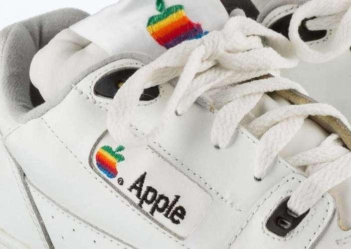 Кроссовки, выпущенные для сотрудников Apple в 90-х годах (5 фото)