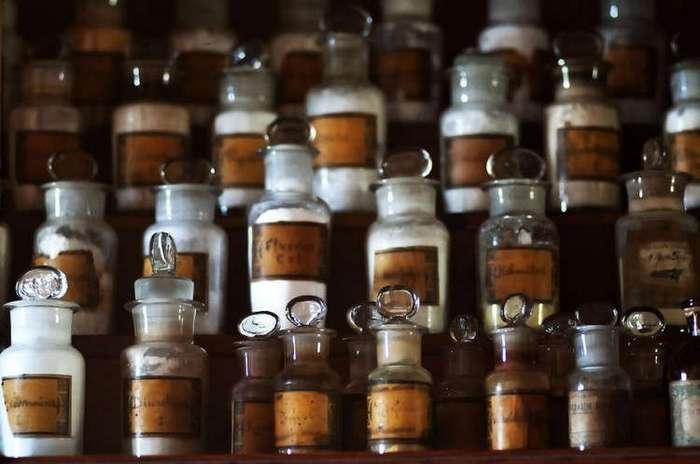 Самая загадочная аптека России (13 фото)