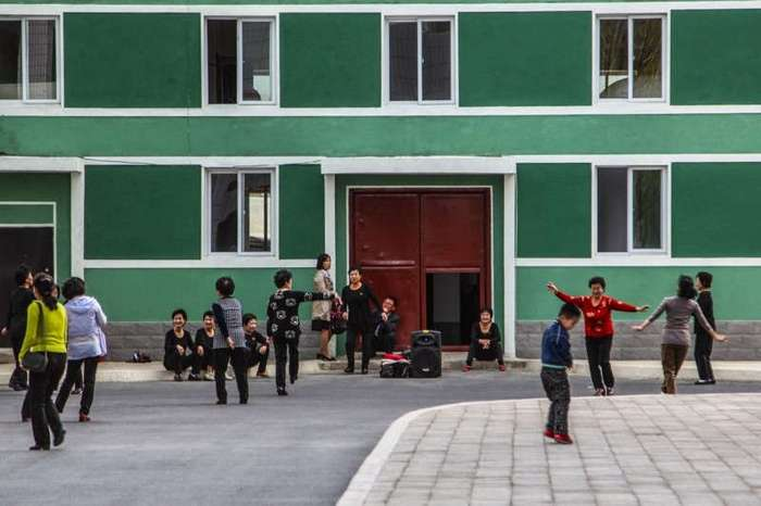 Как выглядит новый квартал Рёмён столицы КНДР (10 фото)