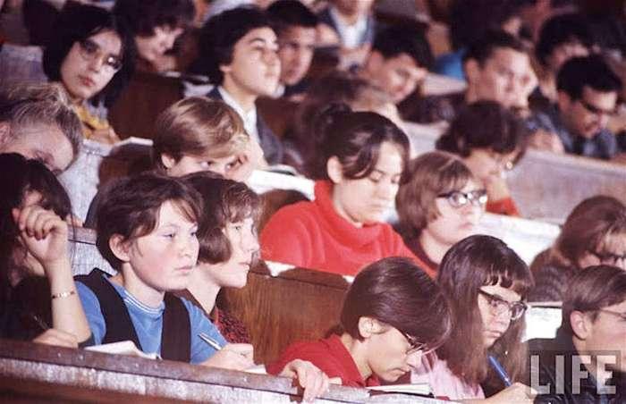 Как жила советская молодёжь в 1960-х. Снимал американский фотограф Билл Эппридж (67 фото)