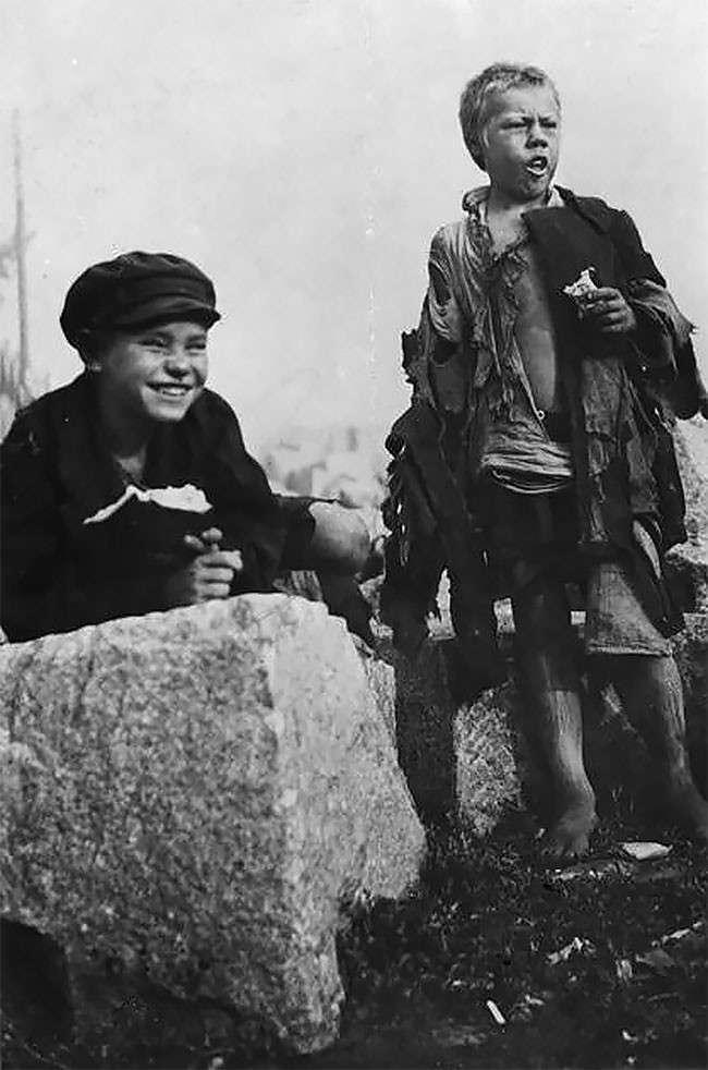 Редкие фотографии: беспризорники России 20-х годов (20 фото)