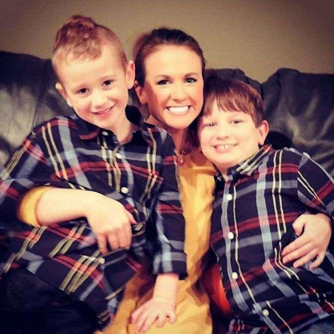 Мама потеряла дар речи, когда узнала, как учитель довела ее сына до слез