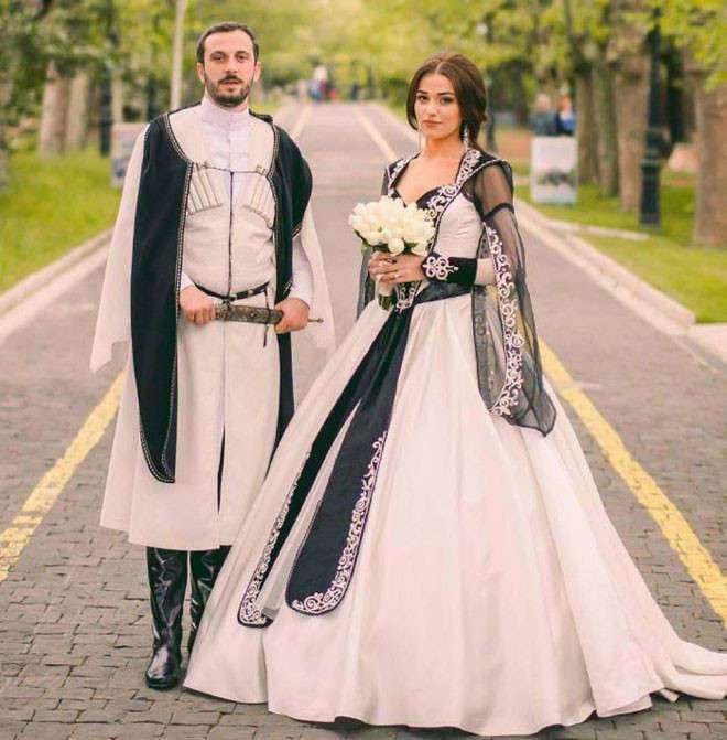 Традиционные свадебные наряды в разных странах мира (19 фото)