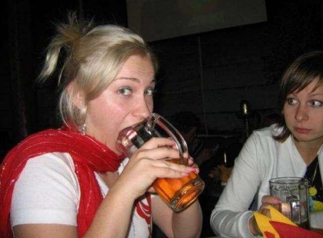 Девушки и алкоголь (25 фото)