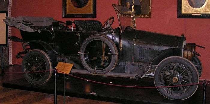 Кровавая история машины принца Фердинанда (1 фото)
