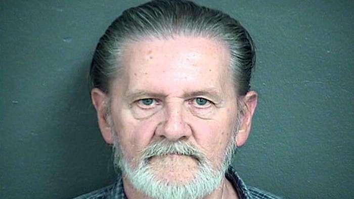 Вынесен приговор грабителю банка, решившему спрятаться в тюрьме от жены (1 фото)