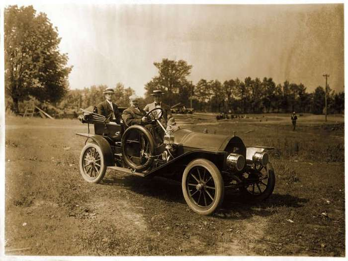 Старинные автомобили начала XX века (48 фото)