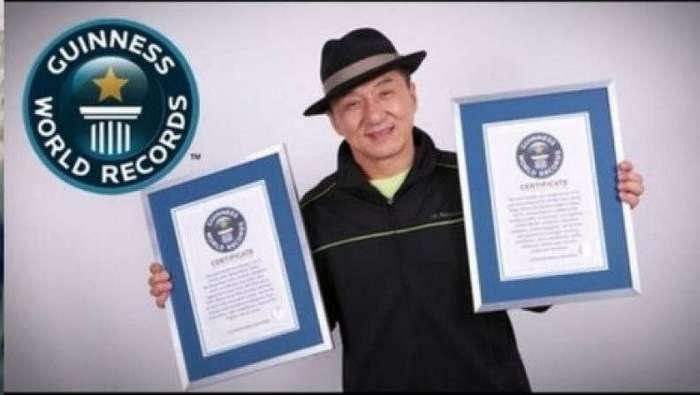 А вы знали факт про Джеки Чана? (2 фото)