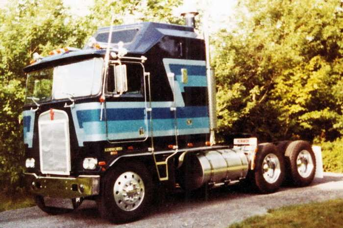Знаменитый Kenworth K100 -Highway Hilton- (38 фото)