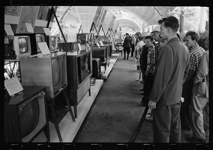 57 лет назад. Советские граждане видят будущее (9 фото)