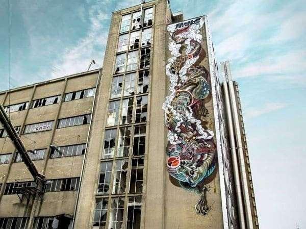 Головокружительные оптические иллюзии в стрит-арте (13 фото)