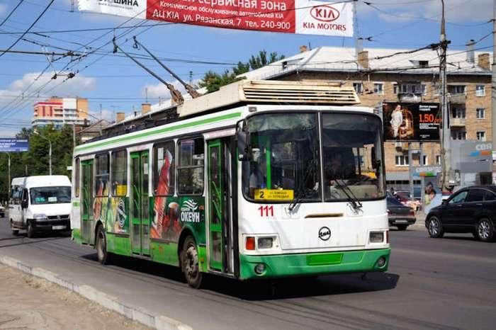 Как девушка стала водителем троллейбуса (5 фото)