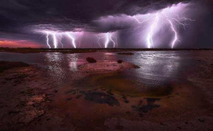 Молнии - красота и ужас с небес (13 фото + 10 видео)