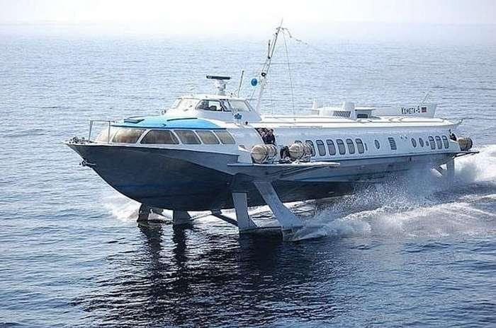 В России возобновлено производство судов на подводных крыльях -Комета- (4 фото)