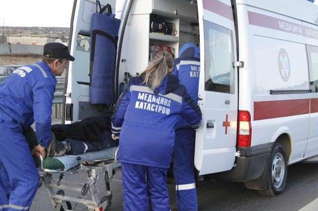 Герой или преступник? Водитель скорой спас жизнь ребенку, покинув место ДТП (3 фото)