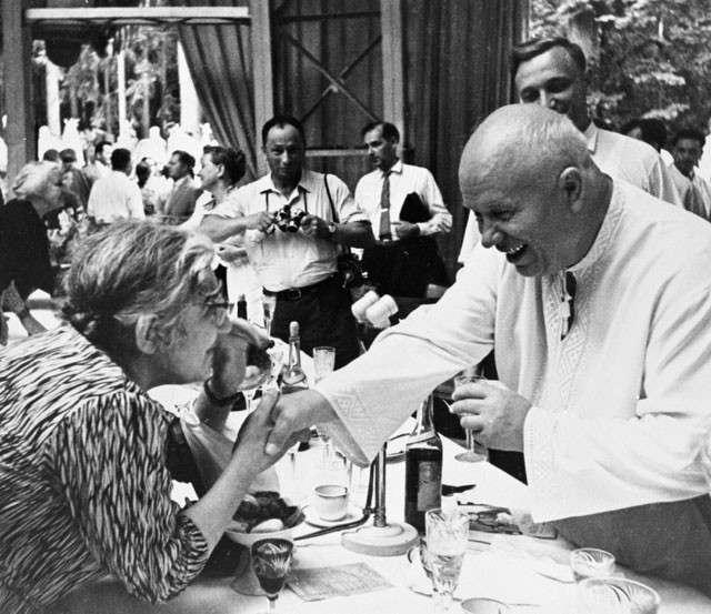 Секреты спецкухни. Что в тарелках у президентов и премьеров (6 фото)