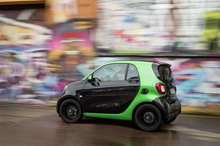 Электрические Smart прибыли в Великобританию (11 фото)