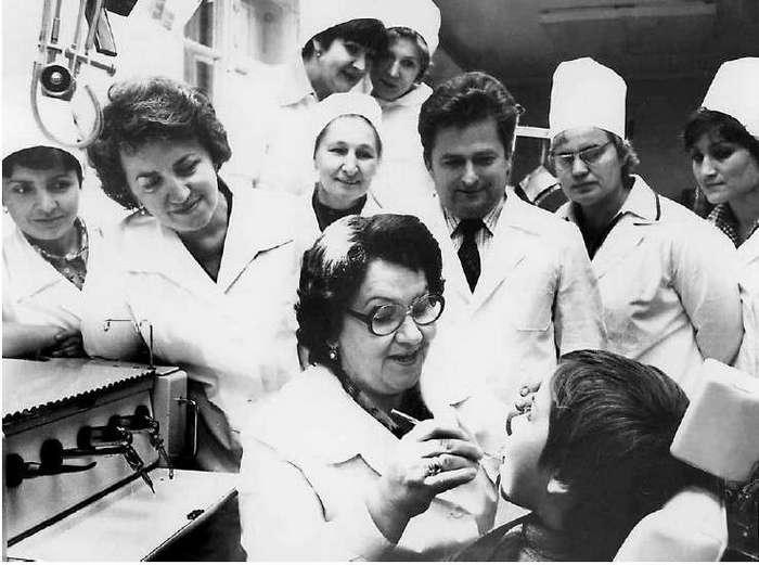 Сколько мог заработать стоматолог в СССР (6 фото)